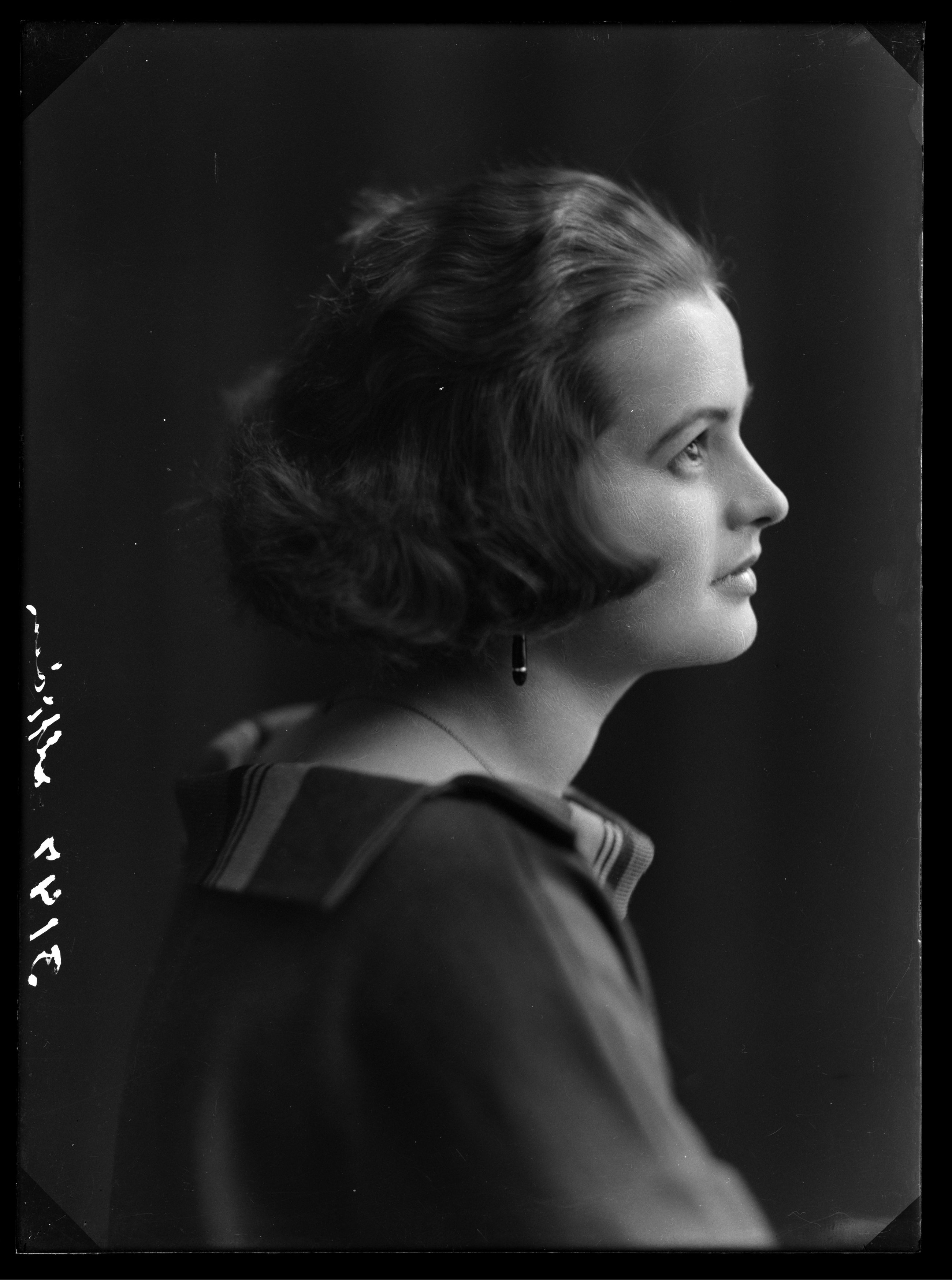 Portrett av skuespiller Sonja Mjøen